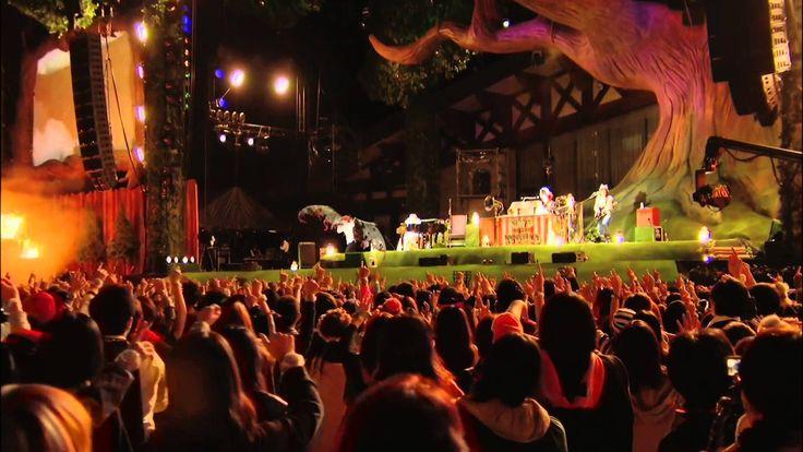 SEKAI NO OWARI新作ライブDVD「炎と森のカーニバル in 2013」http://amzn.to/1gGWhRz 2014年4月9日(水)リリース [DVD+フォトブック]TFBQ-18152 / ¥6,300+税 このDVDは、2013年10月12日~14日に山梨・富士急ハイランド?で開催されたフ...