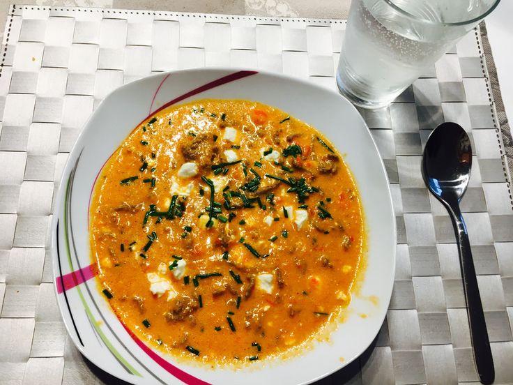 Paprika-Hackfleisch-Suppe mit Feta, ein leckeres Rezept aus der Kategorie Rind. Bewertungen: 4. Durchschnitt: Ø 4,0.