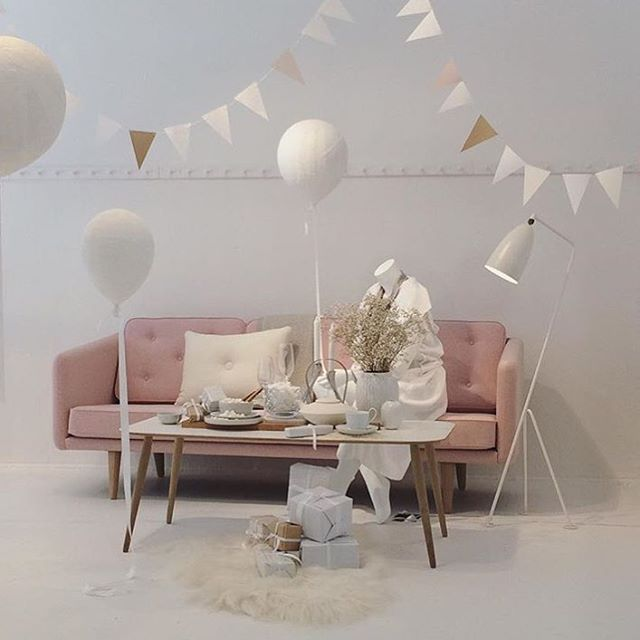 ... #interior #home #wood #woodfurniture #oak #homedecor #decor #inspiration  #nordicdesign #wood #furniture #woodfurniture #laminate #pink #party  #baloons