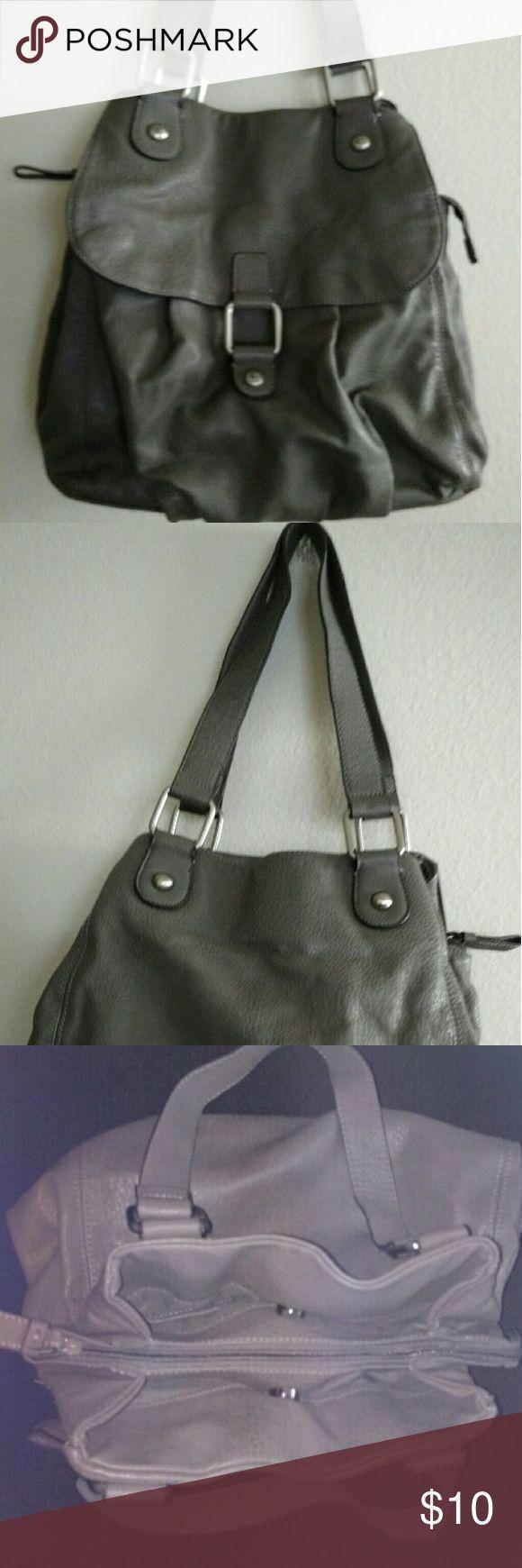 Grey shoulder bag Roomy Comfortable lightly used shoulder bag Liz Claiborne Bags Shoulder Bags
