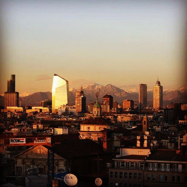 #Milano #skyline #lovemilano by milano_mentelocale_it