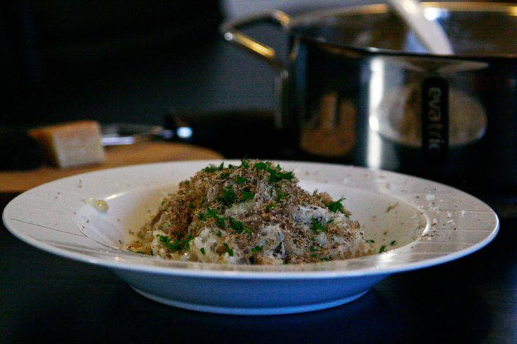 Svamperisotto er en skøn ret, som kan laves på meget kort tid. Hvis du har lidt trøfler og parmesan liggende, er du godt kørende til denne skønne ret.