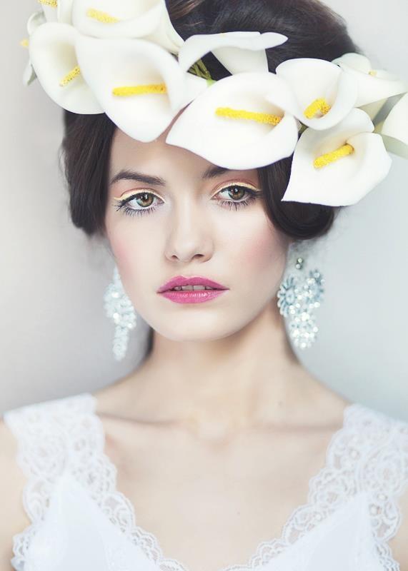 Photo: Agnieszka Rzymek  Style: Gosia Kuniewicz  Garland: Madame M