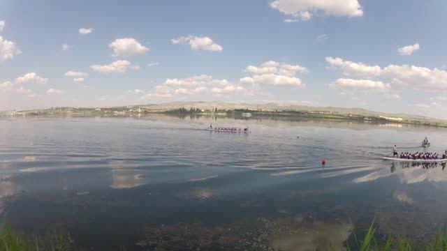 """* VIDEO * Kurumlararası Dragon Festivali, Ankara 14 Haziran 2014 * Takım """"finish"""" Hattını Geçiyor * Sn. Canan Perdahlı Kaptanlığında """"Genç Amazonlar"""" Dragon Boat Takımı"""