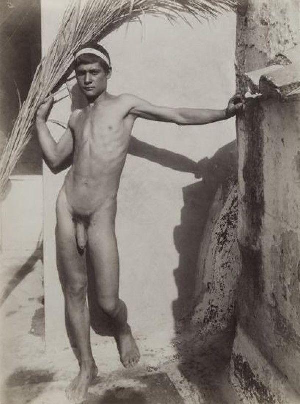 final-retro-naked-boys-white