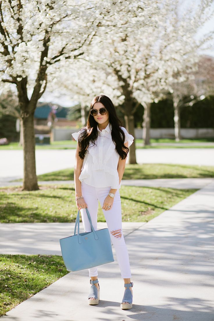 Spring outfit inspiration white on white with pop of periwinkle blue