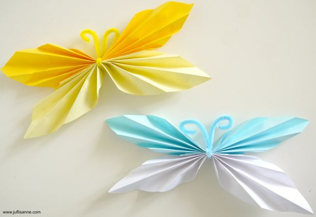 Thema lente: vlinders vouwen. Uitleg staat op www.juflisanne.com // Spring theme: diy how to fold a butterfly
