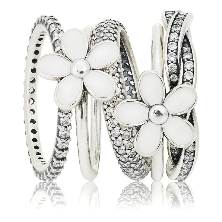 July: ring stack of the month | PANDORA eSTORE