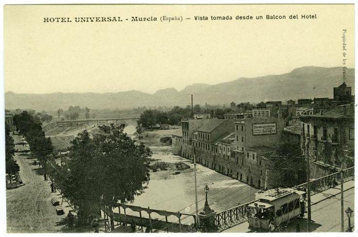 Visor Archivo General Región de Murcia. FOT_POS,04/146 / Vista desde una habitación del Hotel Universal de Murcia.c-.1910