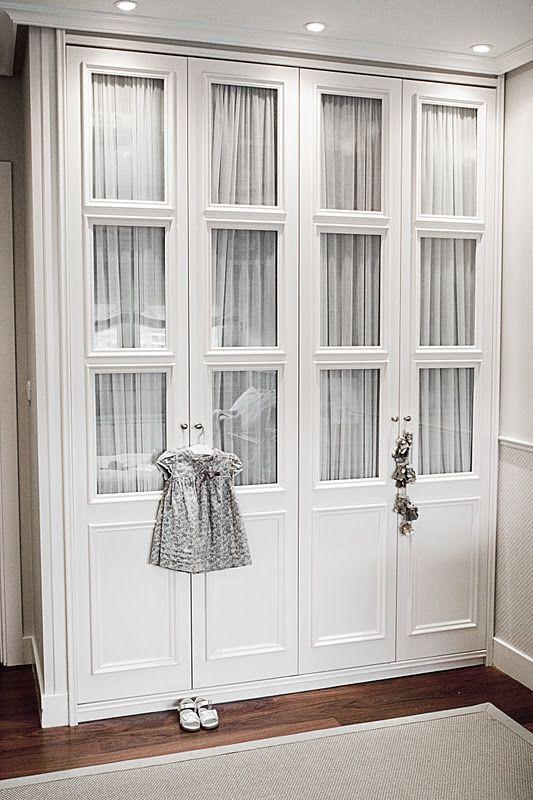 Las 25 mejores ideas sobre cortinas para puerta de armario - Puertas para armarios ikea ...