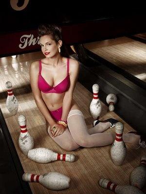 bowling sexy