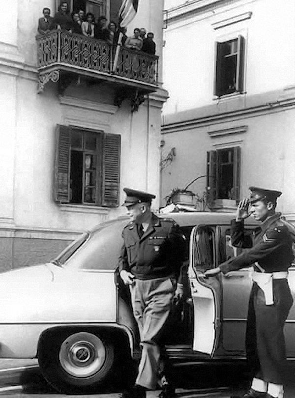 Ο Αϊζενχάουερ στη Θεσσαλονίκη το 1951 ως αρχηγός του ΝΑΤΟ.Ο Αϊζενχάουερ επισκέφθηκε την Ελλάδα το 1959.Ήταν ο πρώτος πρόεδρος των ΗΠΑ που επισκέφθηκε επίσημα την Ελλάδα.