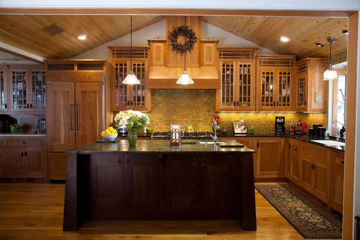 Best 25 mission style kitchens ideas on pinterest - Arts and crafts kitchen design ideas ...
