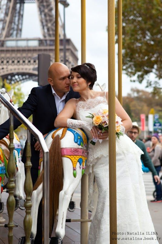 The professional team of Wedding in France will organize your romantic wedding in Paris and realize your dreams