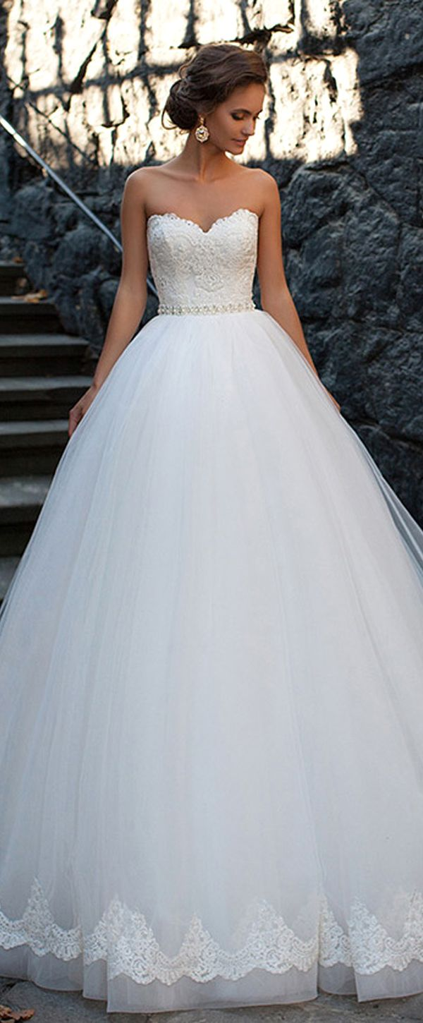 Amazing Tulle Sweetheart Neckline Ball Gown Wedding Dresses With Lace Appliques