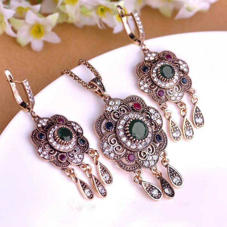 Vintage Turkish Jewelry Sets Green Flower Pendant Colar Antique Gold Plated Princess Hooks Long Pendientes Necklace Earrings Set  #rings #chain #pendants #earrings #jewelrysets