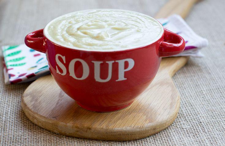 Vegan cauliflower soup with cumin and chilli
