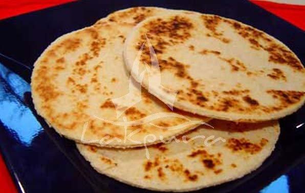 Coconut RotiLankan Cuisine, Lanka Recipe, Sri Lankan Recipe, Shorts Eating, Lankan Food, Breads, Ramadan Recipe, Coconut Roti, Lanka Food