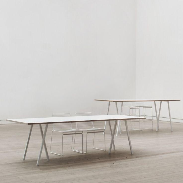 Loop Stand Tisch Hay Design
