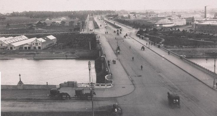 History Porn - Photograph of St Kilda Road, taken around 1900, looking south over Princes Bridge, towards St Kilda. : melbourne