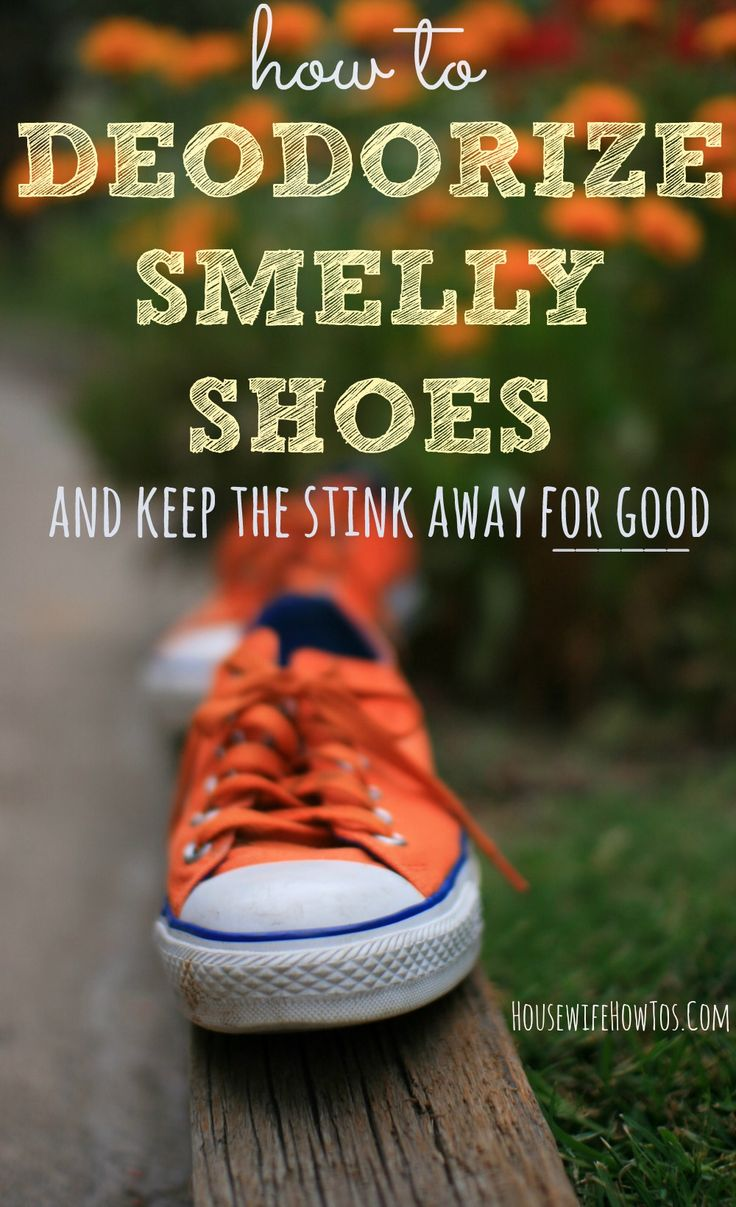 If you have teens or athletes in the family, you'll love these NATURAL ways to deodorize smelly shoes and KEEP the stink away for good! via @HousewifeHowTos