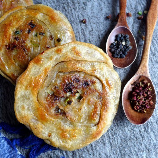 A popular Chinese street food, spiced beef flatbread is crispy, flavourful and very comforting. A treat worth every bit of effort.