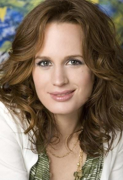 Elizabeth Ann Reaser is an American film, television, and stage actress who was born on June 15, 1975 in Bloomfield, Michigan, USA as Elizabeth Ann Reaser. Elizabeth Reaser Height and Weight, Bra S…