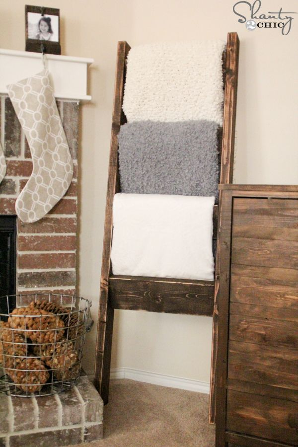 DIY-Quilt-Ladder, would be great to hold quilts at the cabin
