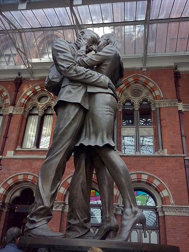 """The meeting place"" sculpture, St-Pancras station, London."