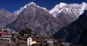 Kalpa, Himachal Pradesh, India: Kalpa is known to be as one typical romantic honeymoon destination. It is a small town in Sutlej River valley and the main village of Kinnaur. It is also famous for its apple orchards and magnificent sun rising sights which will leave you speechless.   Read 10 Lesser Known Vacation Spots in Himachal Pradesh: http://www.flarebuzz.com/2016/04/10-lesser-known-vacation-spots-in-himachal-pradesh/