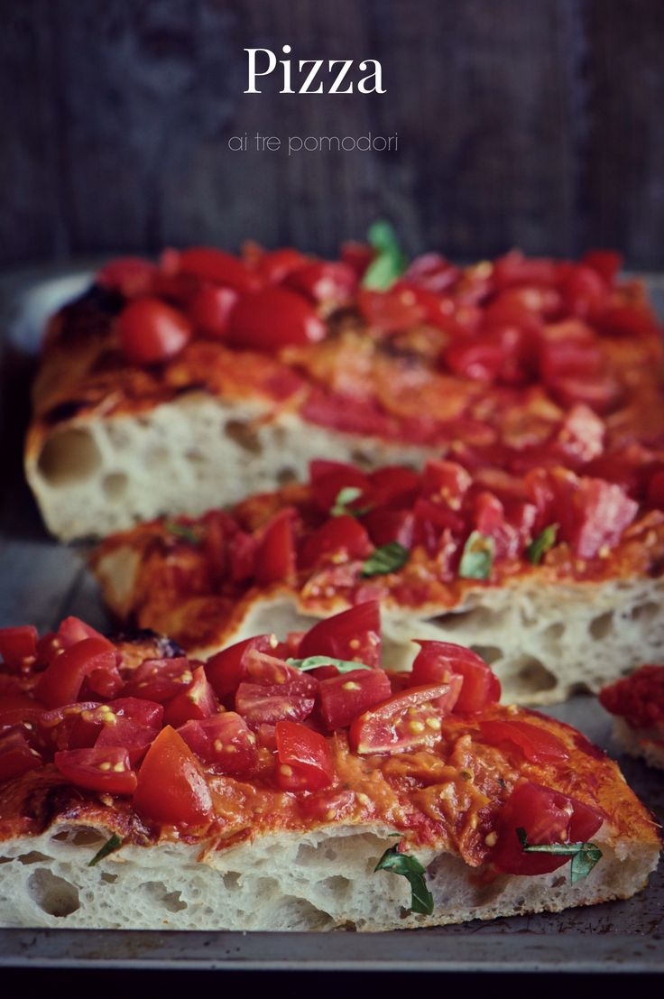 Pizza ai tre pomodori