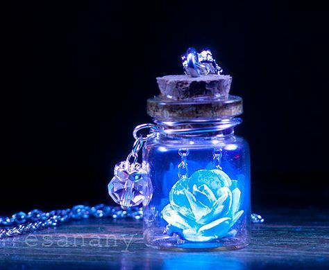 The Glowing Rose – Sky Blue Vial Necklace – Silver – BLACK LIGHT