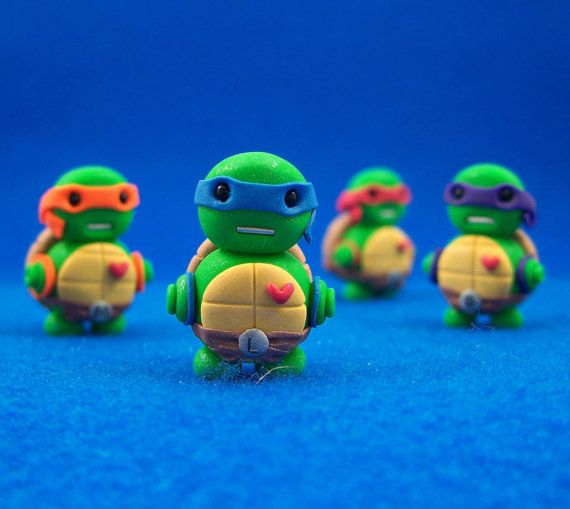 I can't handle this level of cuteness... I just love the ninja turtles so much! Especially Michaelangelo :)