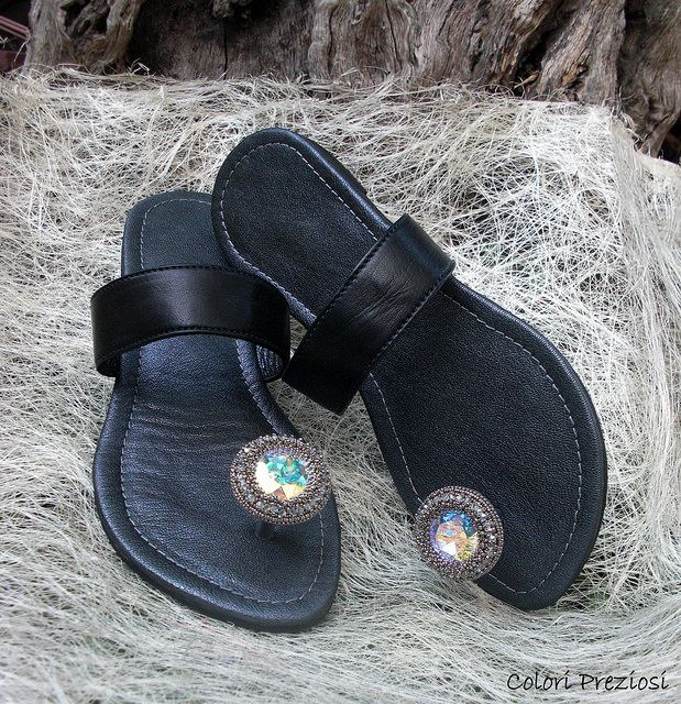 DIY shoes with bead embroidered decoration and crystal swarovski.  www.coloripreziosi.blogspot.com