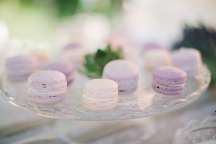 Dreaming in Provence – Sandra & Ricardo » michaelajanetzko.com #Macarons #Naschwerk #love #wedding #lavender #table #candy bar