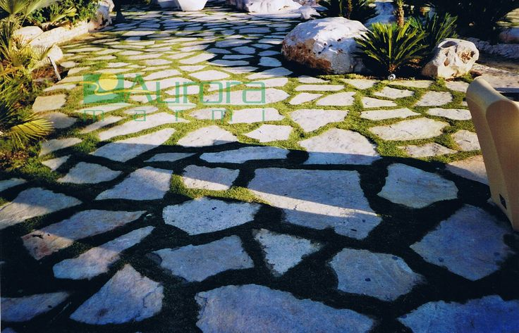 Scorza di pietra misure grandi per pavimentazioni esterne. Chiedi subito un preventivo! www.auroramarmi.it
