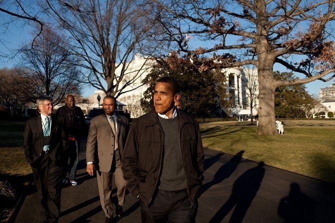 Prezident počas prechádzky vzáhrade Bieleho domu.