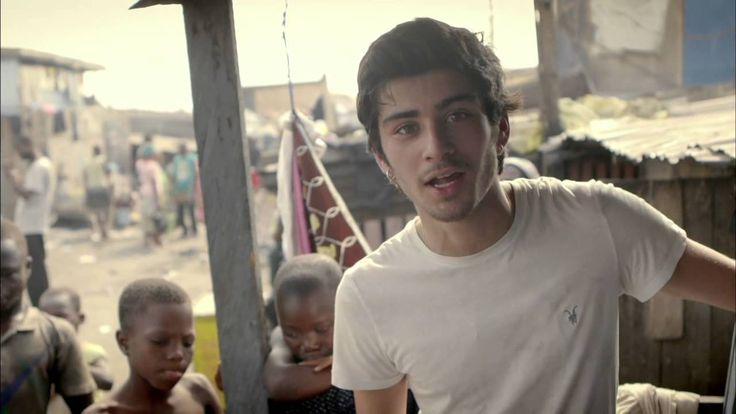 Zayn from One Direction meets a boy called Christopher   Red Nose Day 2013