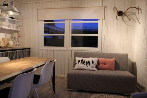 Slaapbank Lorenzo. Te zien geweest bij Eigen Huis en Tuin!  Hij wordt in de slaapmaten 145 en 160 cm bij 2 m lang gemaakt. Met een verstelbaar hoofdeind.
