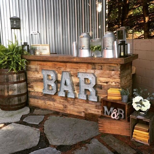 DIY Wedding Pallet Bar Diy backyard in 2019 Outdoor