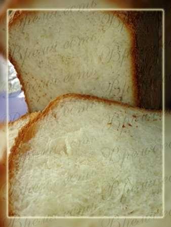 """Итальянский хлеб на кефире в хлебопечке Ингредиенты  Сухие дрожжи1,5 ч.л. Мука400 г Соль1,5 ч.л. Сахар1,5 ст.л. Кефир300 мл Режим """"Основной"""""""