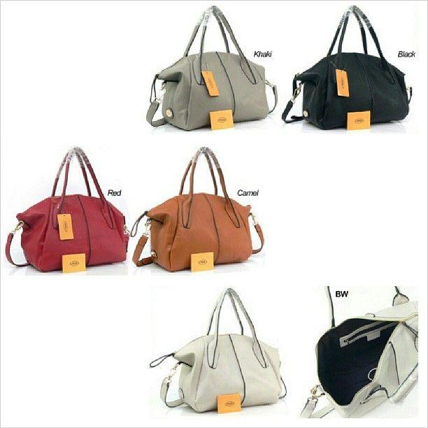 Tods DD Bowler Bag. Rp. 375.000,- (L45 cm x T26 cm). #bag #woman #tods #branded #import #quality #tascewek #tasfashion #fashion #fashionstuff #jual #jualan #tas #murah #promosibarang #promosiolshop #likers #likeforlike #instalike - @toserba_fashion- #webstagram