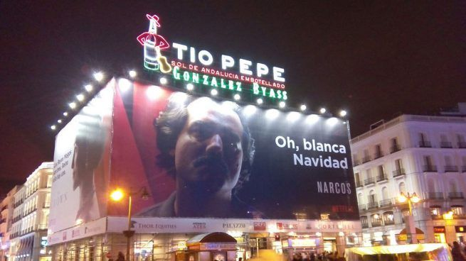 Colombia pide a Carmena que retire el cartel de la serie Narcos de la Puerta del Sol