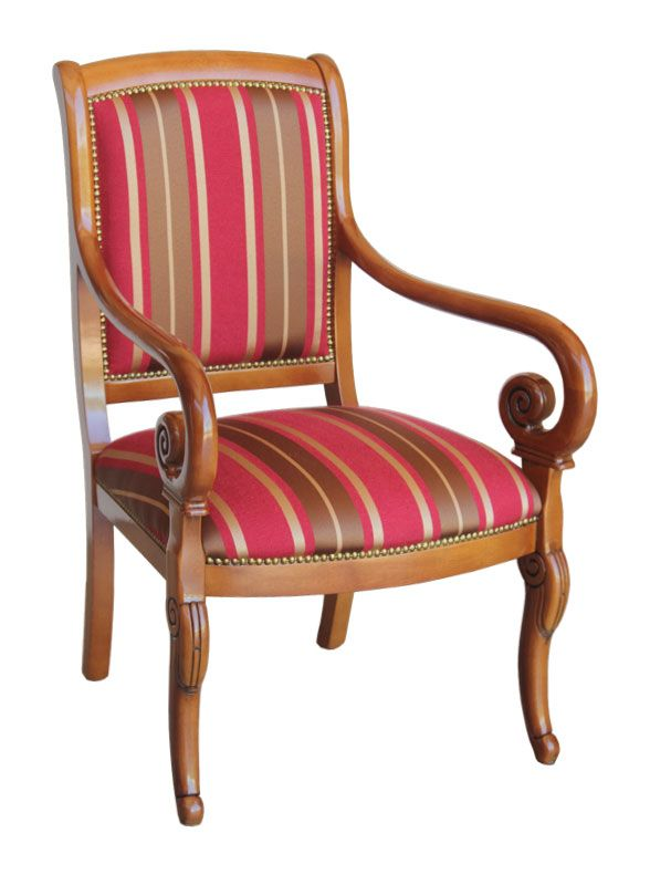 Poltrona con braccioli Melanie - ArteFerretto cod. 38. Poltrona in legno di faggio con braccioli intagliati. Arredo salotto, poltrona da salotto con tessuto a righe.