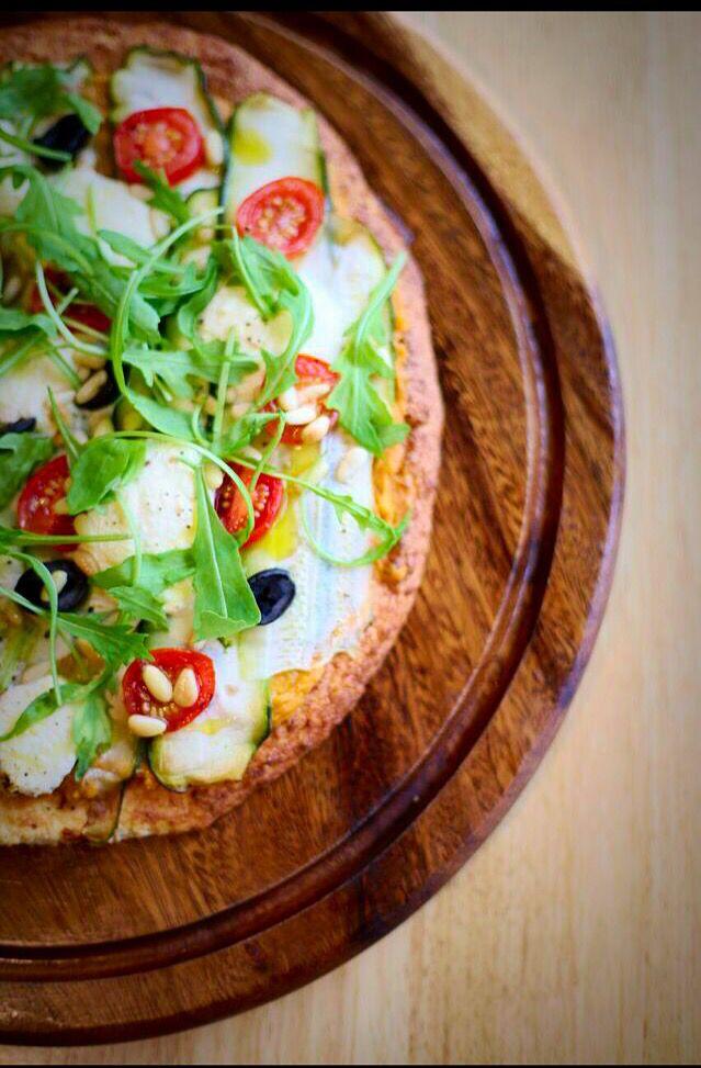 Unbaked cauliflower base vege pizza