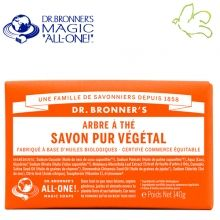 Dr. Bronner's Magic Soaps - Pain de Savon Pur Végétal Arbre à Thé Tea Tree Disponible dans l'e-shop www.officina-paris.fr #officina #paris #eshopping #beaute #pain #barsoap #vegetal #solide #cosmetiques #savon #douche #gel #liquide #bio #naturel #fairtrade #drbronner #drbronners #magicsoap #soap #organic #vegan #equitable #argrumes #orange #citrus #fresh #rose #peppermint #menthepoivree #amande #arbreathe #teatree #eucalyptus #lavande #bebe #doux #sansparfum #babycare