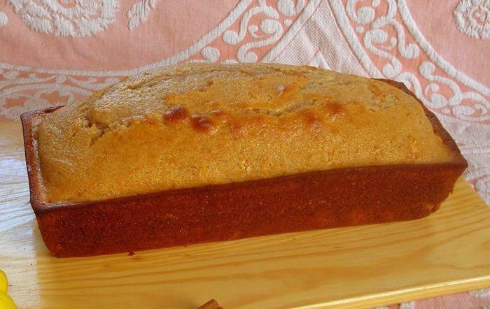 Bolo de requeijão e canela - http://www.sobremesasdeportugal.pt/bolo-de-requeijao-e-canela/