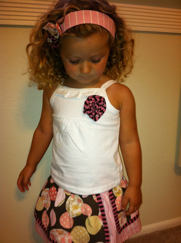The Secret Stitch Club: Little girl headband - DIY tutorial - if only I could get Brynn to keep it on...