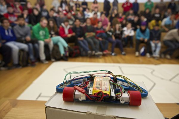 VI Competición de robótica en la Universidad de Alicante en el mes cultural de @epsalicante #UA
