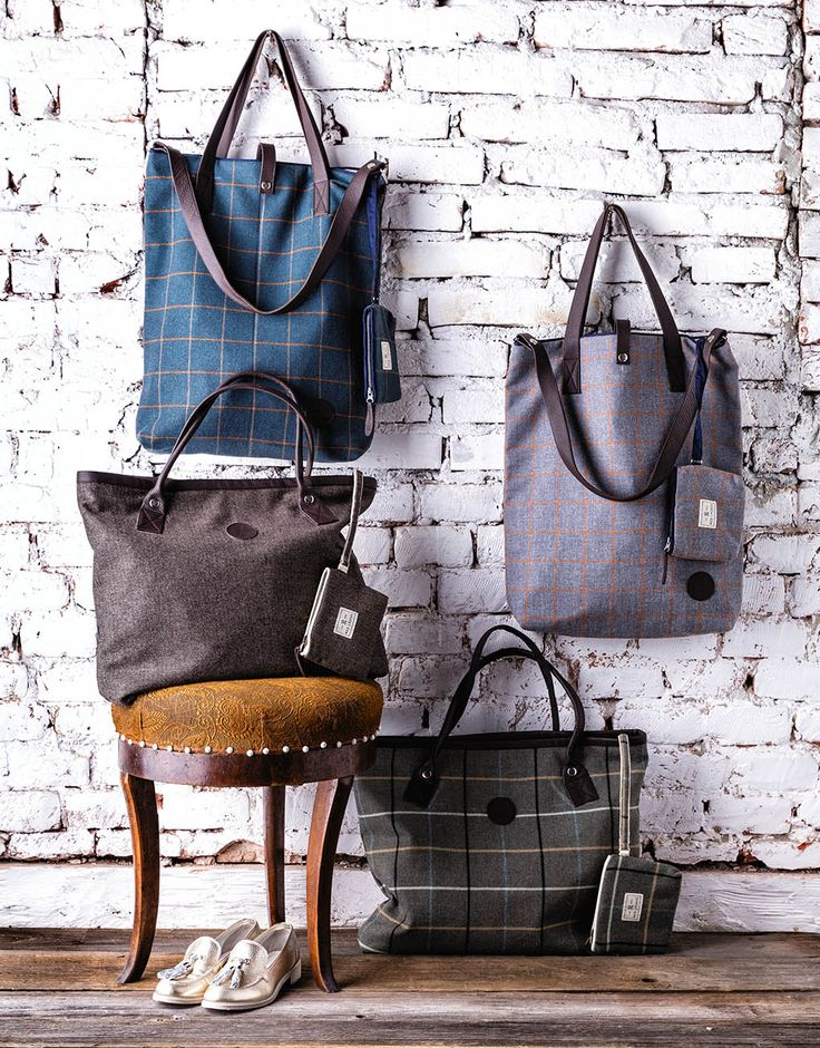 Red Lychee carefully selected womens bags & wallets collection. Always crafted in finest wool with elegant leather elements.